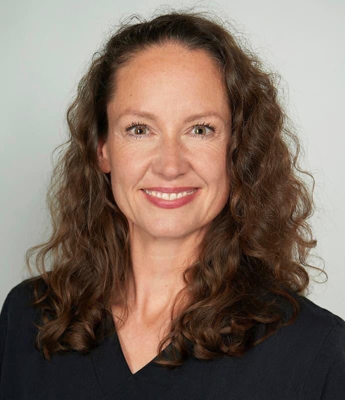 Dr. med. dent. Julia Busse Zahnärztin